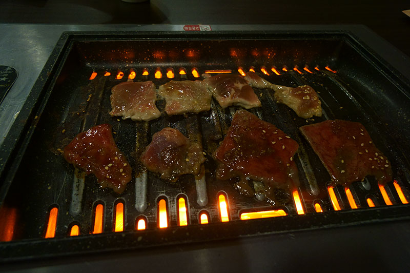 Tenkaichi-Restaurant-wagyu-beef-and-pork-on-the-grill
