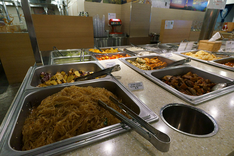 dae-ssik-sin-buffet-dishes