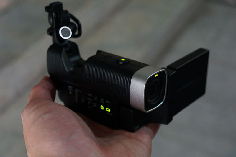 zoom-q4-size-video-recorder-size-02